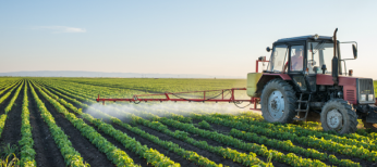 Machine Spraying field